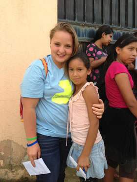 Passport Health Featured Traveler: Mikayla with the kids of Neuvo Reto