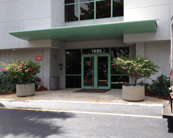 Ft Lauderdale travel clinic entrance: Cypress Creek