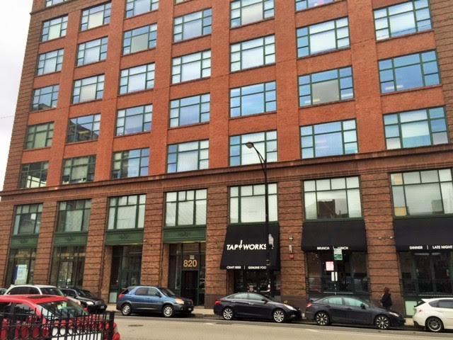 Passport Health Chicago West Loop/Greektown Building Entrance
