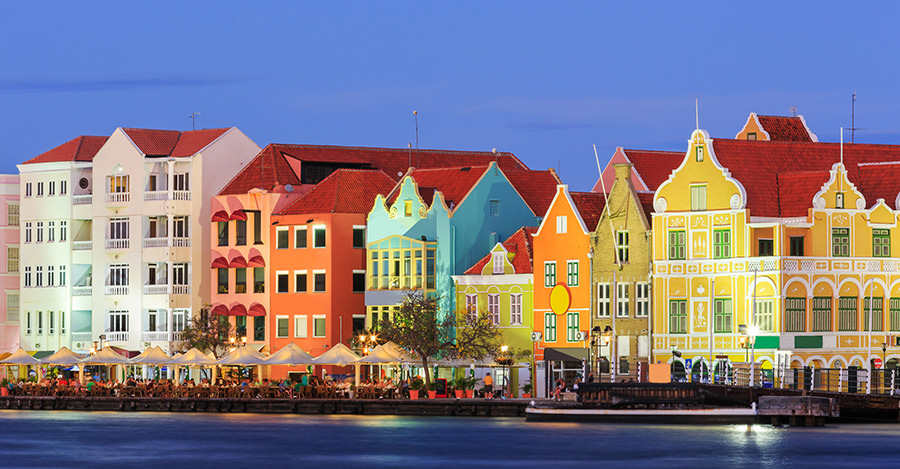 Curacao provides a wide variety of landscapes for travelers.