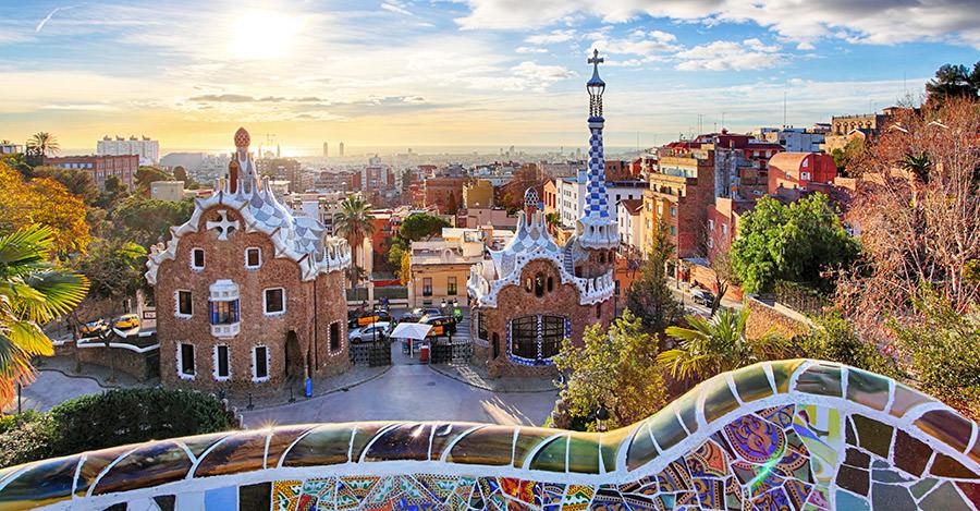 España es uno de los países más importantes de Europa. Asegúrate de explorarlo de forma segura con las vacunas de viaje y los consejos de Passport Health.