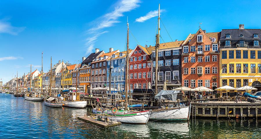 Dinamarca tiene de todo para explorar. Asegúrate de ir en forma segura con tus vacunas de viaje y los consejos de Passport Health.