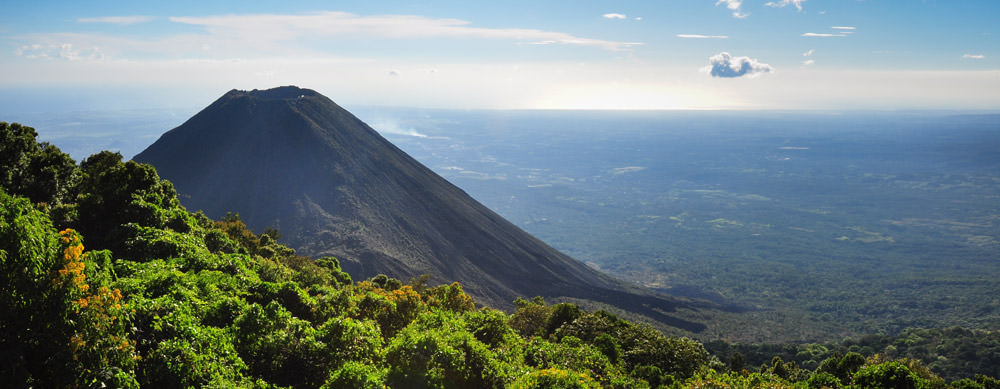 Travel safely to El Salvador with Passport Health's travel vaccinations and advice.