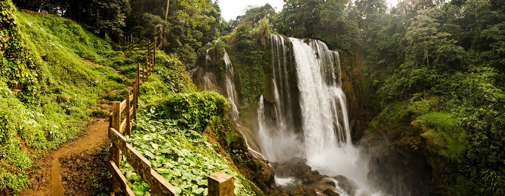 Waterfalls and more provide must-see vistas for travelers to Honduras. See them worry-free with advice, medications and more from Passport Health.