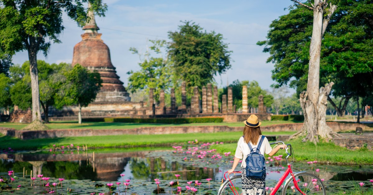 A free visa-on-arrival may boost the drooping tourism in Thailand.