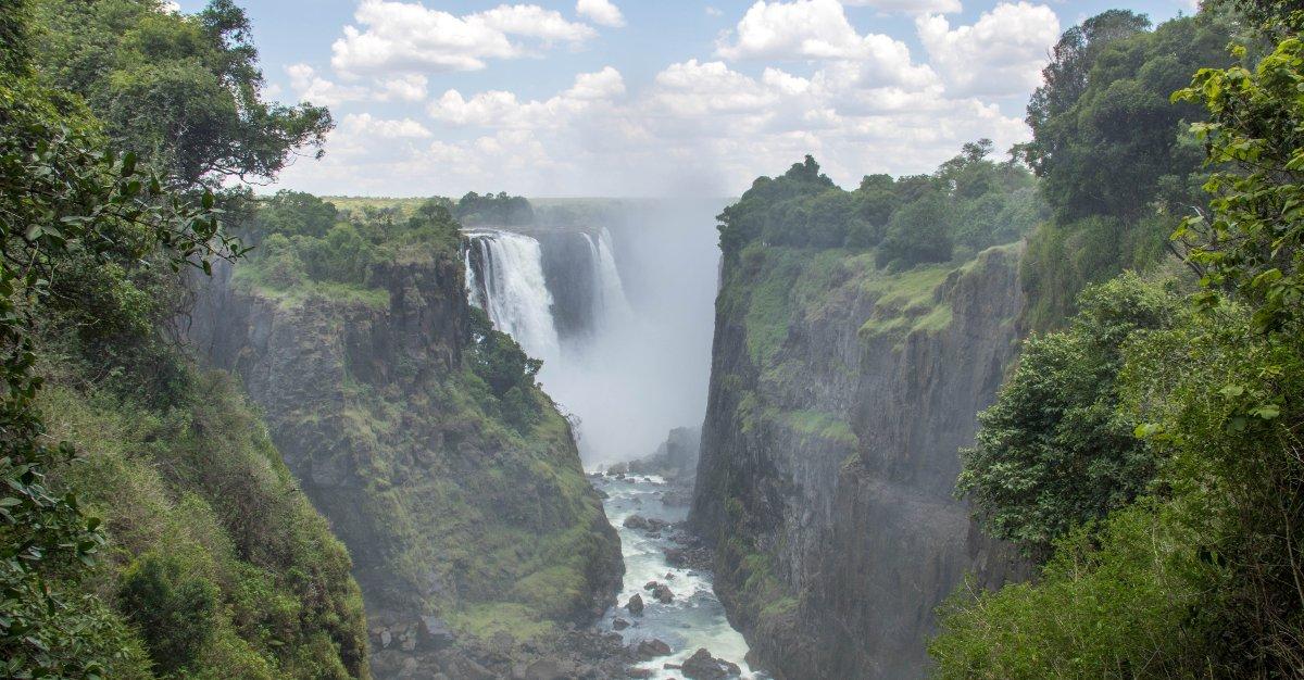 Travelers are flocking to Vicoria Falls in Zimbabwe.