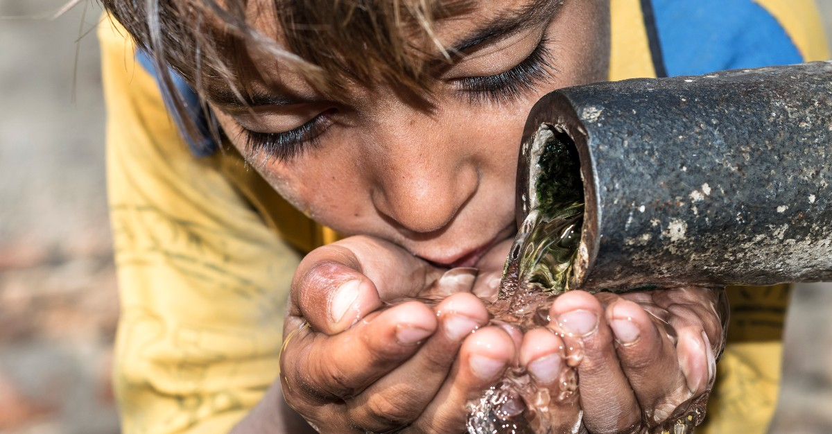 Using a new typhoid vaccine could help protect children in Pakistan from the disease.