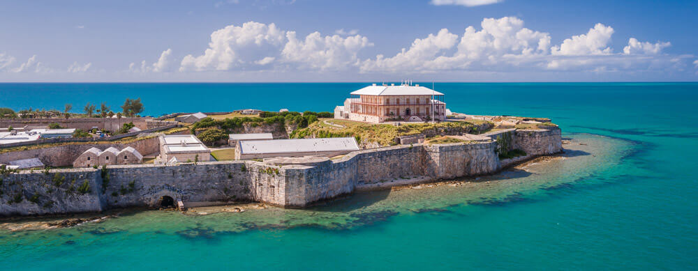 From old forts to new establishments, Bermuda has something for everyone. Enjoy it worry-free with advice and more from Passport Health.