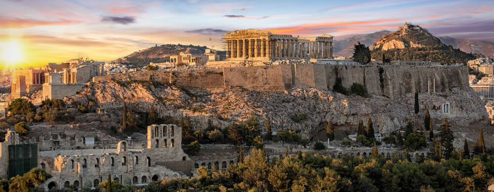 Ruins and history make Greece a top travel destination. See them without worries with Passport Health's travel vaccines and advice.